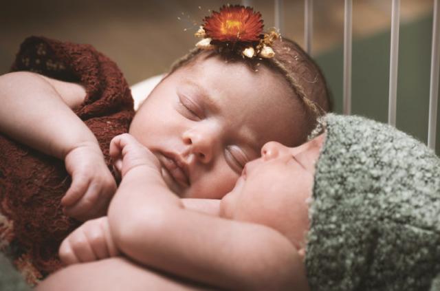 Photographe spécialisée naissance - grossesse - bébé - maternité Rhône-Alpes