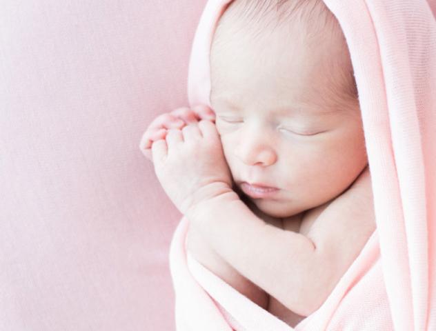 Limite de l'Ain et de Lyon - photographe grossesse - naissance- bébé - famille Rhône-Alpes
